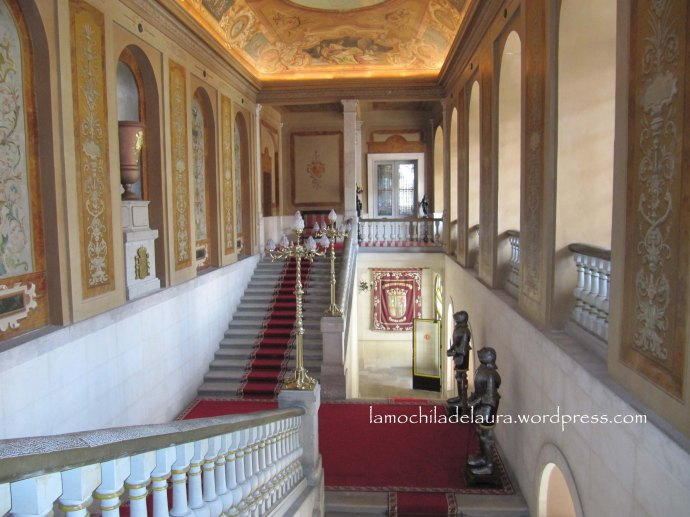Escalera palacio