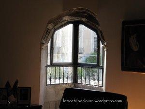 Interior ventana plateresca